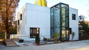 Casa solara eficienta energetic EFdeN